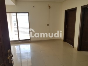 Executive Apartment Available On Rent For Ladies Rent Is 8000