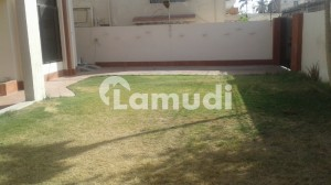 Out Class Location Pure West Open 833 Sq Yd Open Plot For Sale