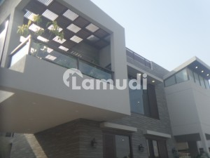 1000 Sq Yard Brand New Extra Ordinary Bungalow Is Available For Sale
