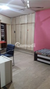 Furnished Room For Rent In 10 Marla House With Parking Ac Wifi In Gulberg Lahore