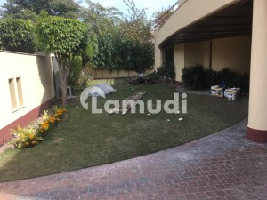 Cantt Estate Offer 32 Marla Mind Blowing General Villa Is Available For Rent