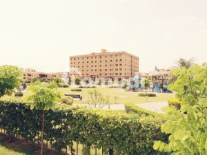 3 Bed Park Facing  Luxury Apartment In The Grande Bahria Town Ph. 3