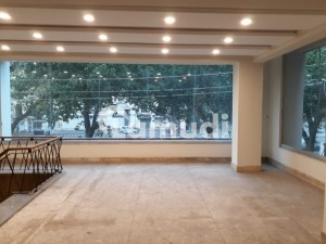 1500 Sq Ft Shop For Rent In Front Row