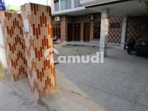 1 Kanal Commercial Building For Rent