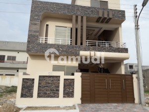 Upper Portion Brand New  Is Available For Rent In I Block No Gas