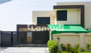 18 Marla Corner House For Sale In D Block Bankers Avenue