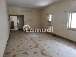 600 Yard 20 Room House On 60 Feet Wide Road Available For Rent  In Block 9 Gulshan E Iqbal Karachi Ideal For Commercial Use Schools Or Offices Etc