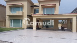Bahria Town Phase 7 Kanal Luxurious House Dream Location Outstanding View 5 Beds With Attach Bath On Investor Rate