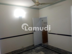 700 Sq Ft 2nd Floor Apartment Available For Rent