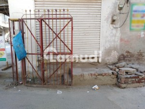 Shop Available For Sale In Samanabad