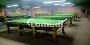 11 Tables Snooker Club