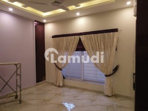 Extremely Beautiful House  Available For Rent In Islamabad B17