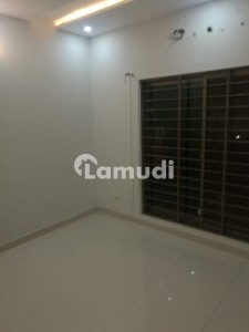 5 Marla Ideal Location Like Brand New Upper Portion Available For Rent With Gas