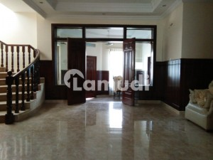 2 Kanal House For Sale In Bani Gala  Near To Main Markeet