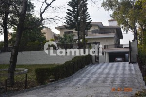 1200 Sq Yards Beautiful House In G-6/4