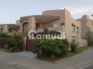 Ecstatically Decorated And Maintained 350 Sq Yard Villa For Sale
