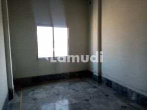 Triple Storey Beautiful Commercial Building Second Floor Flat Available For Rent At Shah Din Road Okara