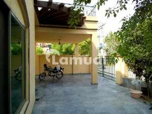 Aesthetically Designed 10 Marla Royal House For Urgent Sale At Economic Price