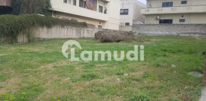 Plot For Sale Good Location Margalla Facing