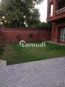 2 Kanal Brand New Facing Park House For Rent