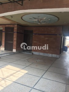 2 Kanal Commercial House With Basement Is Available For Rent
