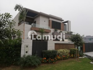 Kanal Stylish Bungalow Available For Sale