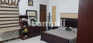 256 Square Yards 3 Bedrooms Portion