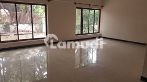E7  Tiled  And  Wooden  Flooring  Renovated  Compact  House For Rent