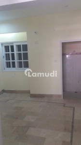 Centrally Located Flatfor Rent In Jamshed Town Available