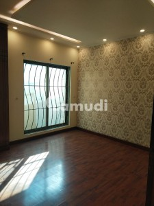 F11 Markaz Fully Renovated 3 Bed Room Apartment For Sale On Urgently Basis