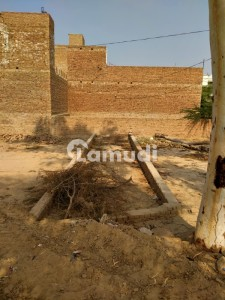 Shop  Is Available For Sale In Hasilpur Near Gulburg Town