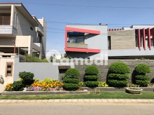 1000 Sq Yard Brand New Bungalow For Rent With Pool And Basement
