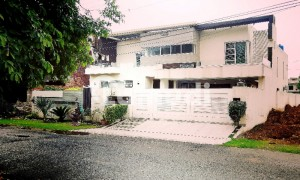 Kanal Out Class Brand New House