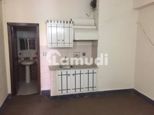 Clean Room Is Available For Rent
