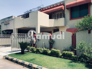 4 Bed Height Area House Available For Rent