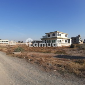 Good Location Corner Plot For Investment And Residential Purposes