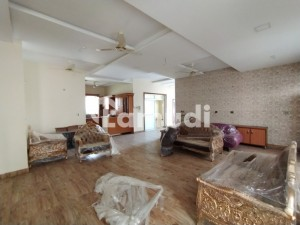 1 Kanal Prime Location House Is Available In Wapda Town