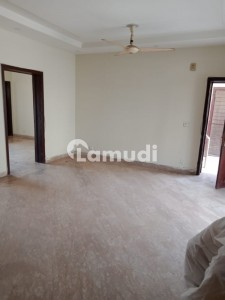 6 Marla Flat For Rent At Near Park & Commercial