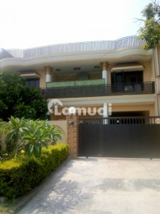 I-8/4 In Investor's Prices Front Open Sun Face 40x80 Double Storey Livable House For Sale