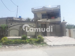 17 Marla Luxury House Double Storey Near All Live Facilities And Main Commercial Road House With Basement