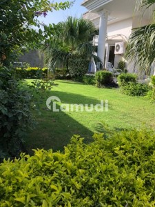 Beautiful 60x90 House For Sale In Farooqi Mohallah