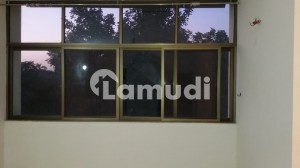 10 Marla 2nd Floor Fully Renovated 3 Bedroom Apartment Available For Rent In Askari 2