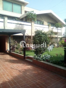 Clifton Block 5 Bungalow 1000 Sqyds 14 Beds For Sale
