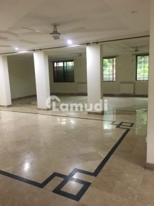 1 .5 Kanal Portion For Rent In Bahria Town Phase 3