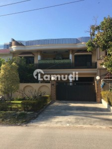 Sun Facing Front Open Livable Double Storey House For Sale In I-8/4 Islamabad