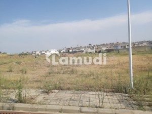 Pair Plot Available In Sector C With Extra Land