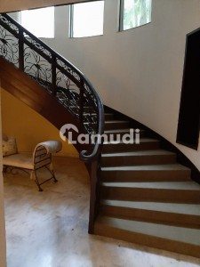 32 Marla House For Rent In Main Cantt Lahore