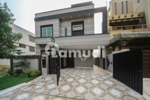 Near Park Approach From Main Road 10 Marla Luxury House For Sale