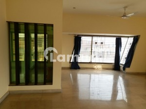 One Kanal Upper Portion With Separate Approach For Rent In Dha Phase 6 D Block
