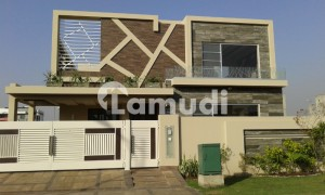 Brand New 1 Kanal Lower Portion For Rent Near Golf Course Phase 6 Dha Lahore